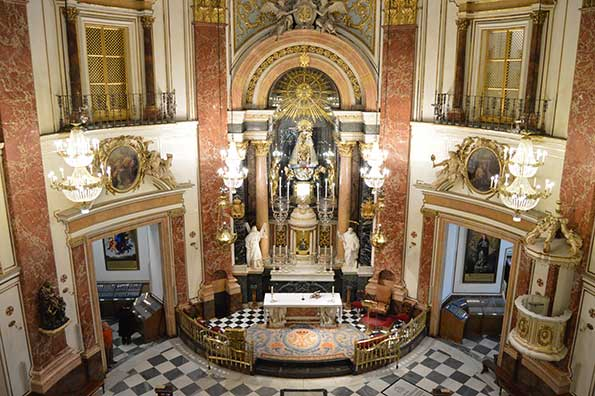 basilica interior 01 1